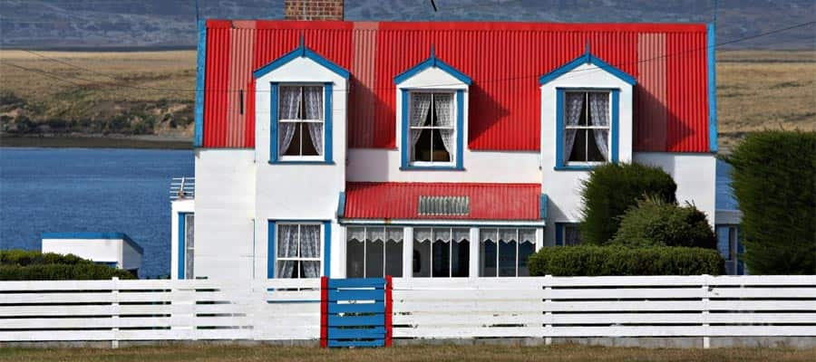 Cruise to Picturesque houses on the Falkland Islands