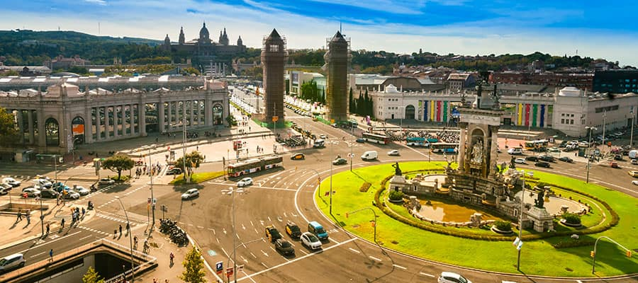 Cruise to Placa de Espanya