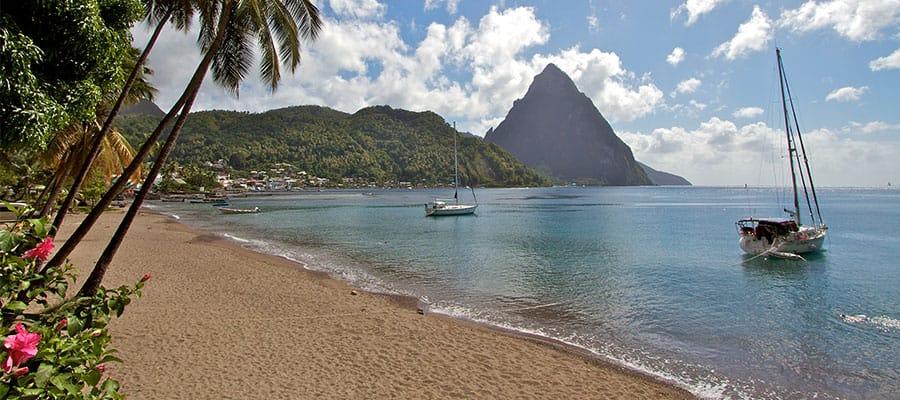 Playas preciosas en tu crucero a Santa Lucía