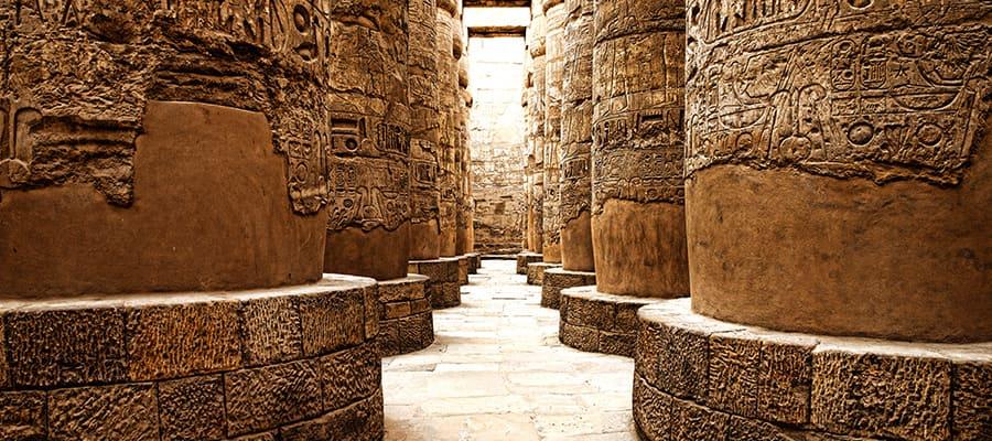 Hieróglifos em um cruzeiro para Safaga