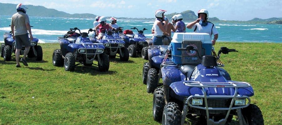 Escape a la playa en vehículos todoterreno durante tu crucero en Santa Lucía