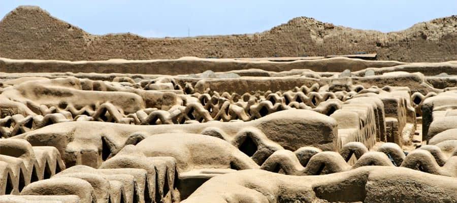 Faça um cruzeiro para as antigas ruínas de Chan Chan