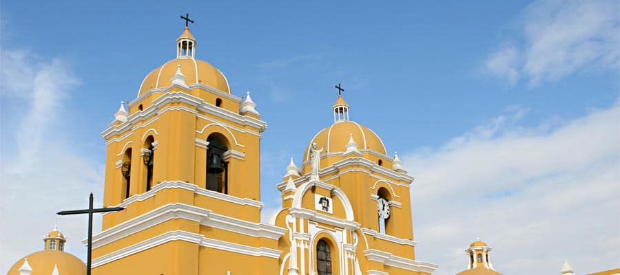 A beautiful spanish colonial church on your Trujillo cruise