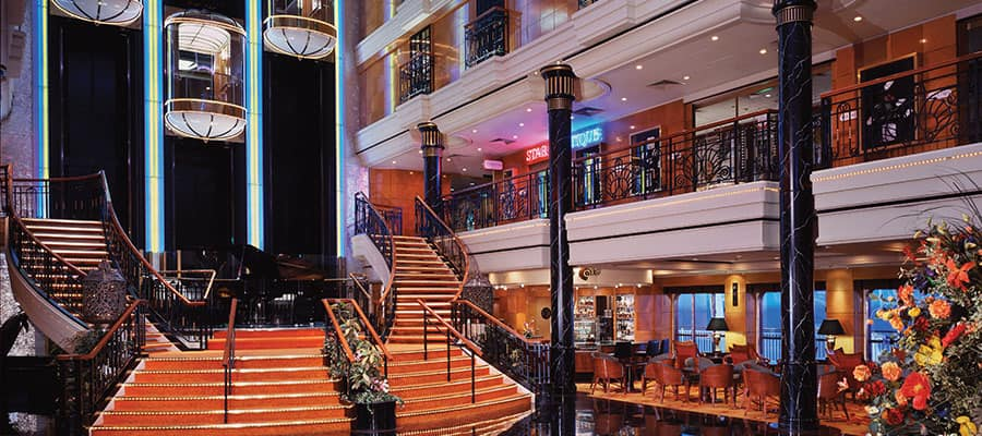 The Atrium del Norwegian Spirit