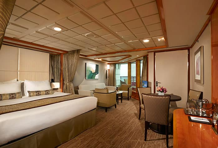 Penthouse de frente para a proa no Norwegian Dawn