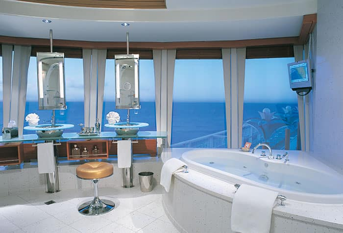 3-Bedroom Garden Villa Guest Bathroom on Norwegian Star