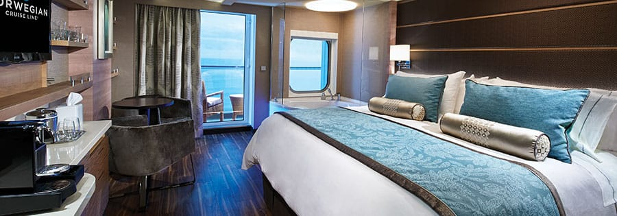 The Haven Spa Suite mit Balkon auf der Norwegian Escape