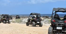 טרקטרונים בדיונות ובחוף
