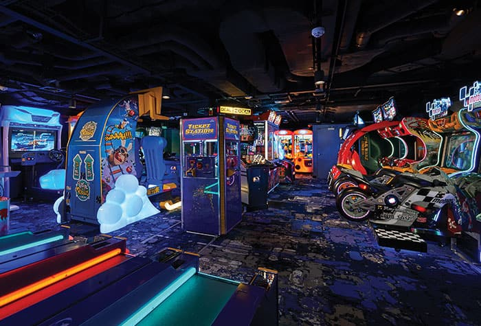 Pacote Ultimate Arcade a bordo da Norwegian Cruise Line