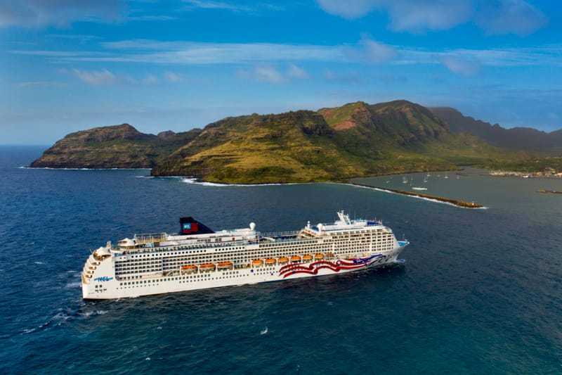 9 Reasons Cruising to Hawaii is Better Than an All-Inclusive Resort