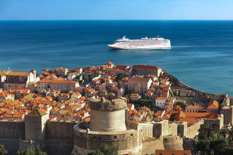 Norwegian Star Dry Dock Details & Time Lapse Video