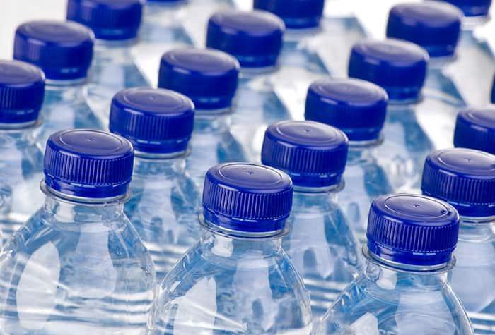 Wasserflaschenpakete
