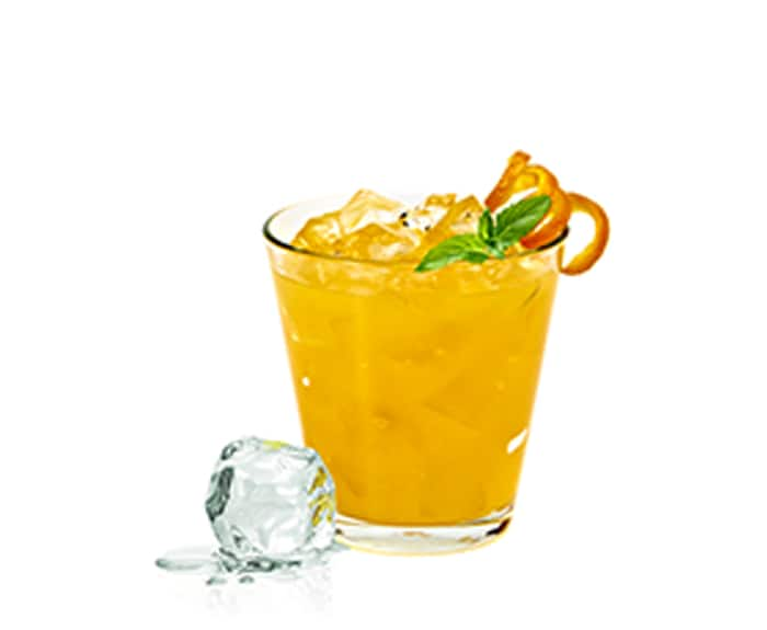 Orangefarbener Cocktail