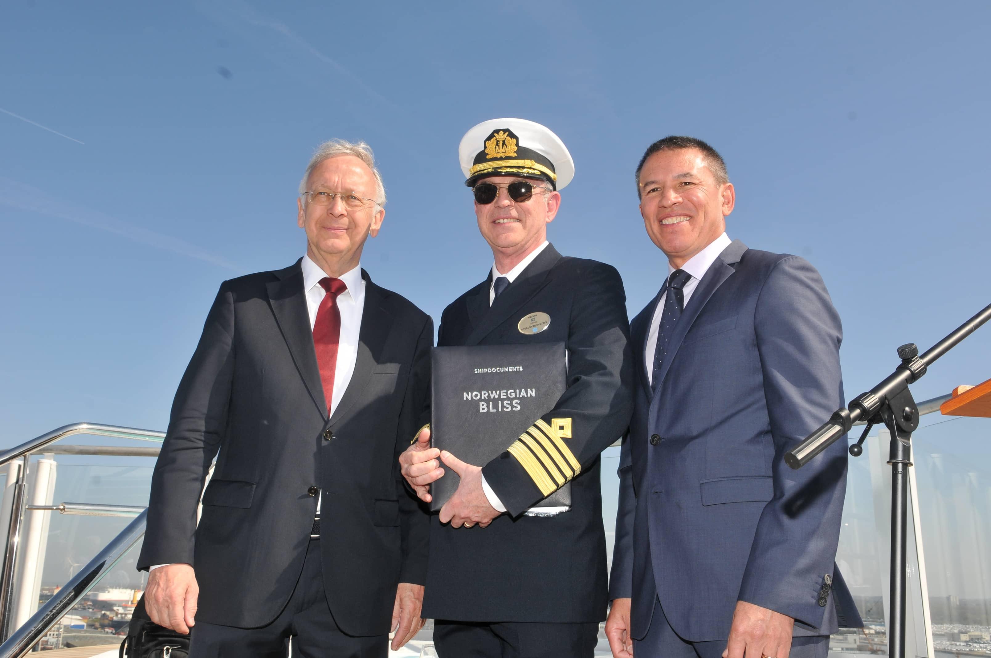 Norwegian Cruise Line Nimmt Die Norwegian Bliss In Empfang
