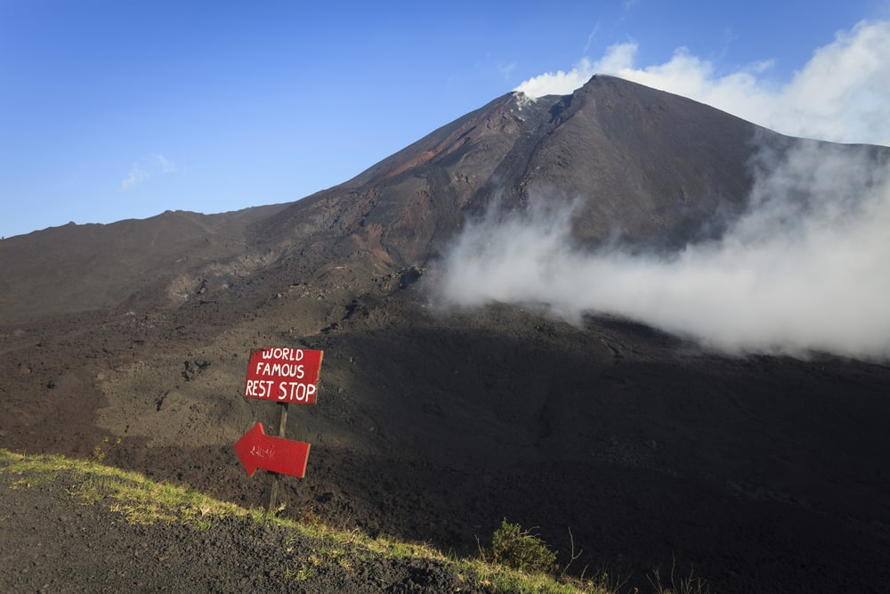 Besteigen Sie den Vulkan Pacaya bei einer Panamakanalkreuzfahrt mit Norwegian